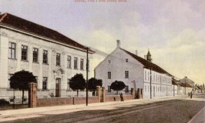 Pučka škola (na mjestu Robne kuće Grama)